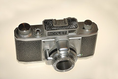 1954 Ricolet 35mm camera (Thumpr455) Tags: camera film japan 35mm ricoh viewfinder riken ricolet