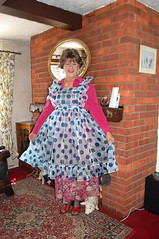 Flouncy pinny (Jenny Turner) Tags: ruffles bib apron pinny tablier domesticated housemaid schort puttanella sissymaidsapron