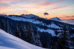 Soleil couchant dans les Alpes (Mikl - Concept-Photo.fr (CRBR)) Tags: sunset montagne sunrise landscape altitude hiver neige paysage moutain froid brouillard brume couchdesoleil sommet levdesoleil
