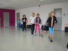 "zomerspelen 2013 hiphop clinic • <a style=""font-size:0.8em;"" href=""http://www.flickr.com/photos/125345099@N08/14220556399/"" target=""_blank"">View on Flickr</a>"