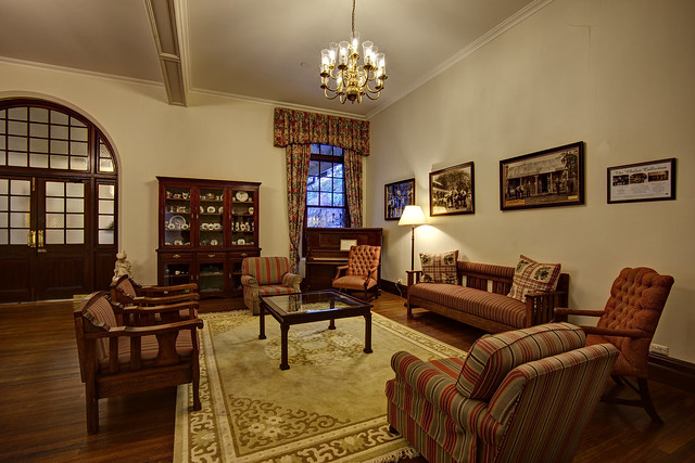 Caves House Lounge