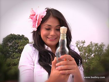 Tasha Shila ... pegang watak gadis obses terhadap cinta