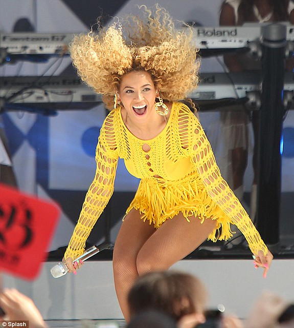 Beyonce 'fros some moves in identical yellow and black crochet dresses for Good Morning America performance   1