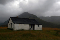 Camasunary Bothy (gummiebear1) Tags: mountain skye mba scotland highlands hiking scottish inner remote loch isle association hebrides camas bothy scavaig camasunary kilmarie fhionnairigh