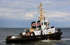 ship tug schiff cuxhaven schlepper remolcador ottowulf seatowage taucherowulf3 imo5419244