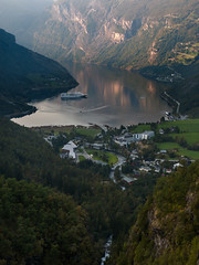Geiranger, at the Geiranger fjord (Kaptens) Tags: norway geiranger vista norge objects reflections utsikt outdoor fjord speglingar view