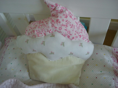 cupcake cushion by Aunt Angie Sews