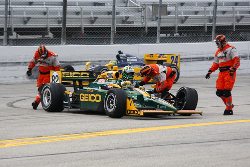 Tony Kanaan wrecks at Milwaukee