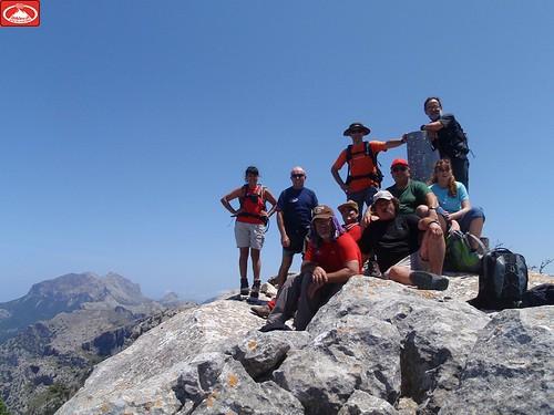 el grup al cim de la Serra d'Alfàbia Central