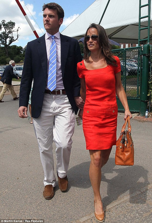 Pippa Middleton ends speculation of a break-up as she and boyfriend Alex Loudon arrive at Wimbledon  1