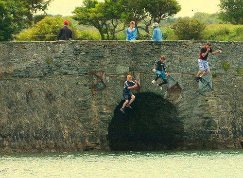 Kids Jump Out The Water Onto The Bridge ....
