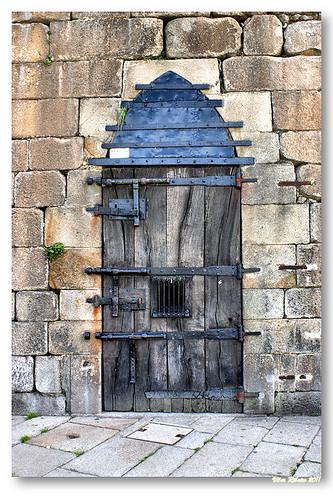 Closed door... by VRfoto