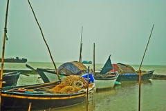 Getting Ready for Rain again (Himel Nag Rana) Tags: rain boat nikon gloomy photowalk ttl maowa