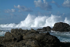 Storms River, hoge golven in het ochtendlicht, Zuid-Afrika 2008 (wally nelemans) Tags: southafrica 2008 bigwaves stormsriver inthemorning ochtendlicht zuidafrika hogegolven