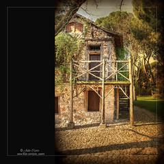 La casa de la vieja (Julio_Castro) Tags: madrid parque casa nikon capricho casavieja elcapricho nikond700 juliocastro