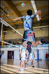 Volley-Ball - Team St Leu (Broogland) Tags: france sport championship team jump pentax champion player volleyball filet volley equipe saut contre k5 castres joueur championnat sportif attaque vbc gymnase asptt smatch volleyballclub ffvb nationale2 volleyeur cmvb championnatfrancevolleyball nicopatch