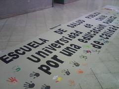 Facultad de Medicina U de Chile apoya mov estudiantil by manuel guerrero