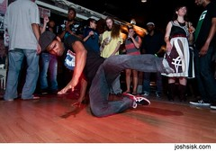 Breakdancers at Dig.