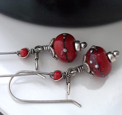 red and silver lampwork earrings 004 (Lune2009) Tags: flower glass lune handmade earring dangle lampwork darkred sterlingsilver lipstickred applered kidneyearwire hilltribessilver lunedesigns