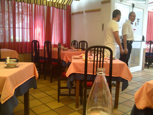 Flickriver: Photoset \'Restaurante Cuarto y Mitad - Madrid\' by Pablo ...
