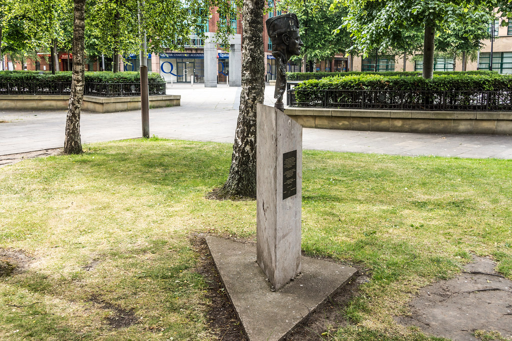 Belfast Memorial to Volunteers [1936-39 Spanish Civil War] - The Memorial was designed by Anto Brennan