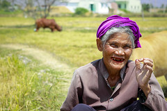 Happy smile (-clicking-) Tags: old portrait smile happy asia faces emotion happiness vietnam elderly oldwoman farmer lovely oldage visage eld happysmile oldportrait oldmother vietnamesemother elderlyportrait