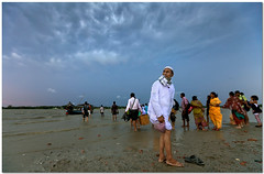 storm incoming? (Soumya Bandyopadhyay) Tags: commuter river ferry ganges westbengal landscape wide perspective monsoon clouds canon1635mmf28lii muslim canoneos5dmk2
