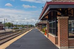 DSC_2327 (Holt MeCloser) Tags: train tracks city metra transit transportation rail railroad