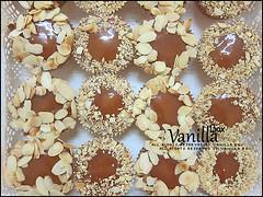 Date Cupcake (vanillabox) Tags: cupcake date