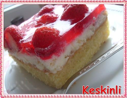 cilekli dilim pasta