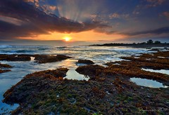 low tide at Echo Beach (Dyahniar Labenski) Tags: sunset bali nikon echobeach publicbeach niar 1024mm d7000 seefrommyeyes ikniroviolet dyahniar