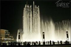 Dubai (Tabaré Neira) Tags: show light water fountain night skyscraper luces noche agua nikon dubai uae fuente nocturna nocturne tabare rascacielos picado emiratos valaingaur