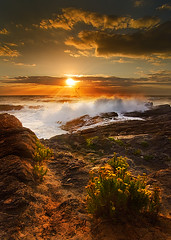 Golden Verdicio (ZenonZ) Tags: sunset sea seascape landscape atardecer seaside shoreline asturias playa shore olas anochecer verdicio espuma asturies cantbrico gozn duelos verdiciu