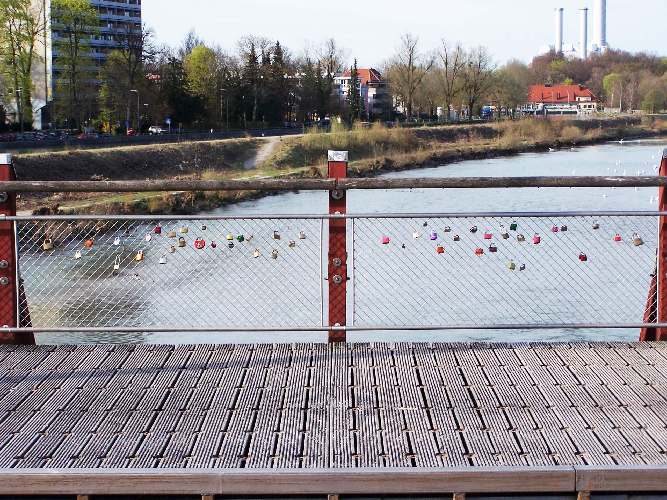 Vorhängeschloss Thalkirchener Brücke