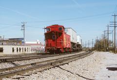 ATSF 999562 E 9th Hardesty 10 1987 (Sneebly) Tags: caboose atsf trainsaroundkansascity