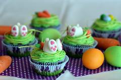 Mhrchen-Cupcakes mit Frischkse-Orangen-Frosting (dieNine) Tags: orange bunny cheese easter cupcakes egg cream filled cupcake carrot eggs marzipan ostern frosting ei mhren fondant osterhase eier karotten gefllt frischkse fllung mhrchen