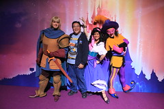 Meeting Phoebus, Esmeralda and Clopin (Loren Javier) Tags: paris france me disney disneylandparis esmeralda disneylandresortparis seineetmarne hunchbackofnotredame disneycharacters chessy discoveryland phoebus clopin marnelavalle parcdisneyland lorenjavier discoveryhall disneylandparis20thanniversary