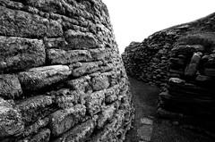 Broch wall, Jarlshof (ghostwheel_in_shadow) Tags: house monument scotland europe unitedkingdom ruin shetland ancientmonument ironage broch domesticarchitecture jarlshof publicarchitecture architectureandstructures