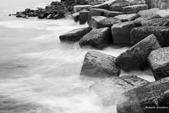 Contra viento y marea (Roberto Greciano) Tags: ocean sea grancanaria puerto mar nikon canarias oceano tranquilidad cokin laspalmasdegrancanaria d600 filtrosnd longexposhure efectoseda largaexposicindiurna
