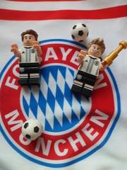 FC Bayern ! (RACING 67) Tags: fcb bayern mnchen lego legography minifig figurine