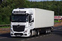 AAD Transport Mercedes Actros SV65JHZ on the A90, Dundee, 25/9/16 (andyflyer) Tags: aadtransport mercedesactros sv65jhz hgv lorry truck haulage transport roadtranport roadhaulage a90