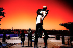 """The Kiss"" or ""Scarlet V-J day"" (kirilko) Tags: kiss vjday unconditionalsurrender scarletsky sculpture sandiego alfredeisenstaedt sewardjohnson ussmidwaymuseum fujix100 fujifinepix california usa solarisation"