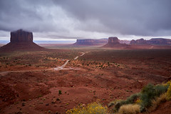 Rainy day at the Monument Valley - DSC04524 (j_m_kubler) Tags: c1 sonyrx1 arizona monumentvalley