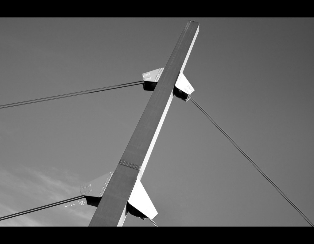 Project 365, Day 302, 302/365, Sigma 50mm F1.4 EX DG HSM, pole, wire, Black & White, B&W, sunlight, blue sky,