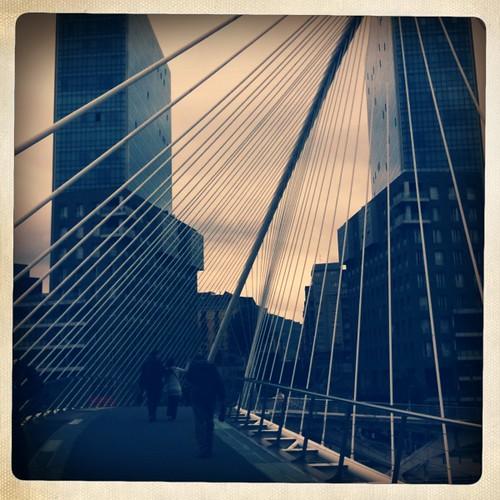 <span>bilbao</span>Il ponte si muove!<br><br><p class='tag'>tag:<br/>luoghi | bilbao | </p>