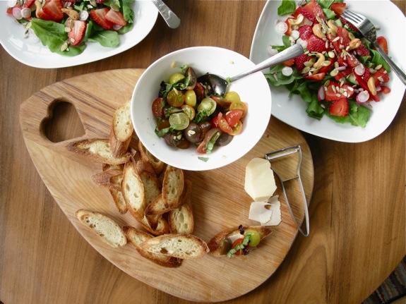 farmers market salad bruschetta 005