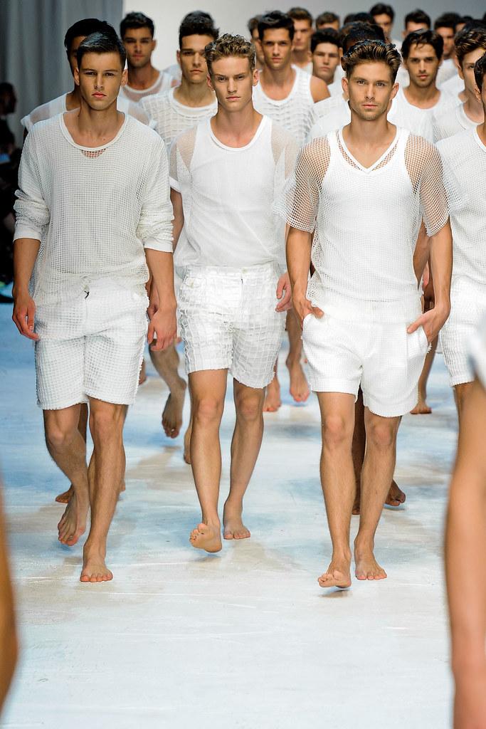 Alexander Johansson3321_SS12 Milan Dolce & Gabbana(VOGUEcom)