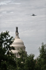 D300-20120417-101908 (Nivad) Tags: smithsonian dc space shuttle discovery flyover flyby retire