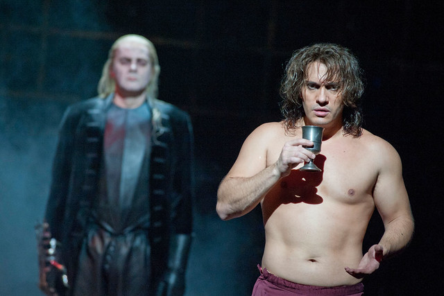 Reinhard Hagen as Commendatore and Erwin Shrott as Don Giovanni © Catherine Ashmore/ROH 2012