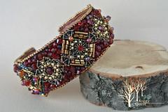 crimson heart bracelet_4 (~Gilven~) Tags: bead beads beading beadembroidery embroidery emblem japanesebeads jewelry jewelryfindingsbyannachernykh red bracelet medieval metal foggyforest